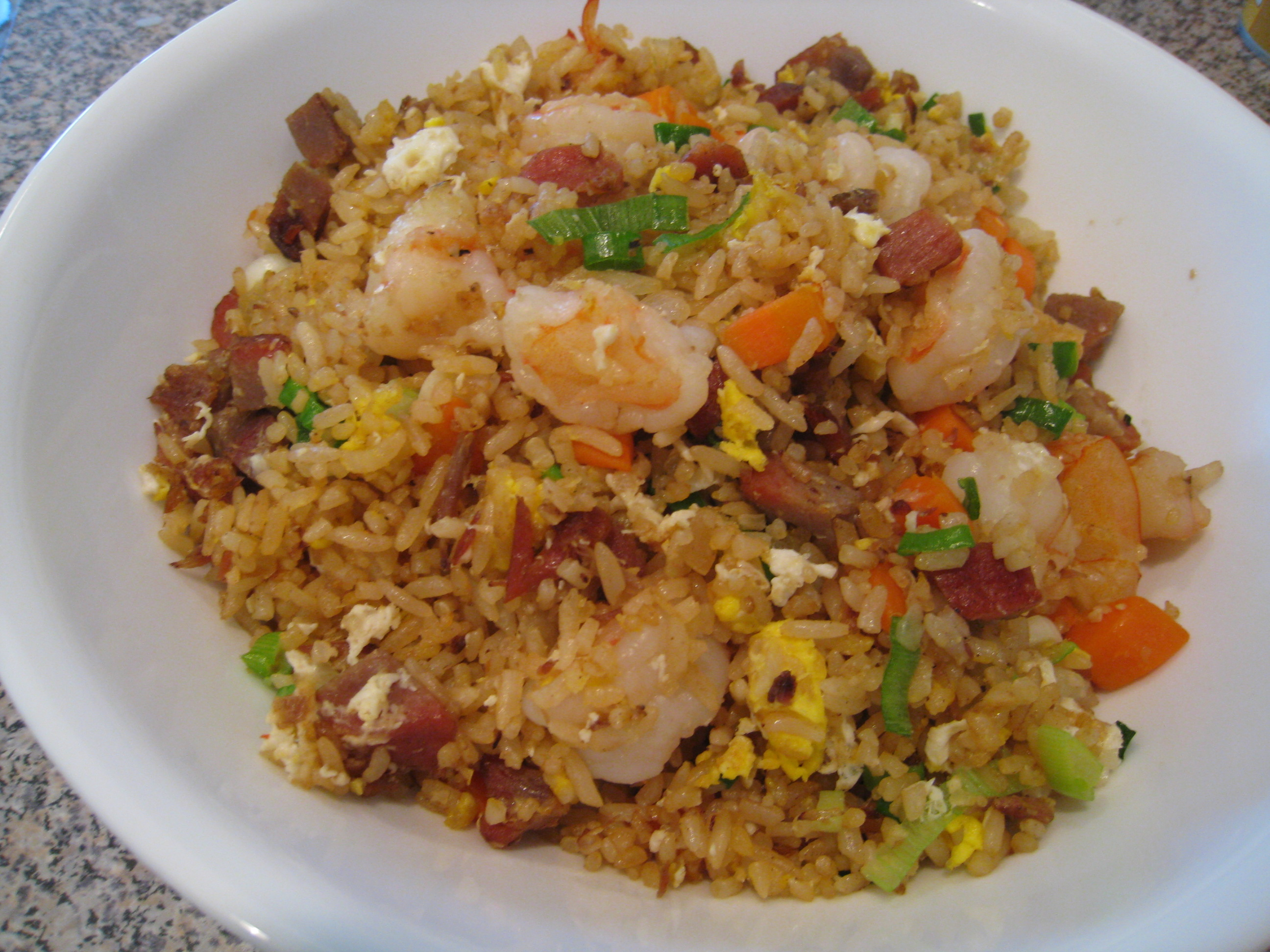 Yeung Chow Fried Rice (20 Mins) – the yummiest fried rice IMHO
