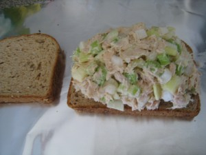 Spread tuna mixture on the bread